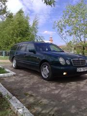 Mersedes-Benz E  230